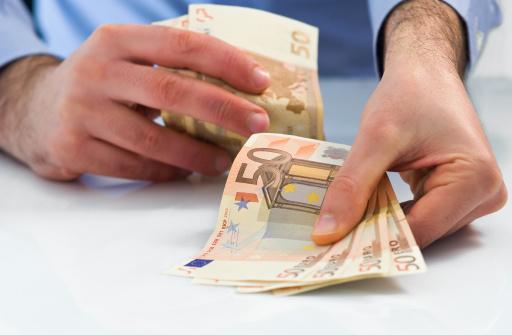 Darlehnen in bar heute 200 Euro finden